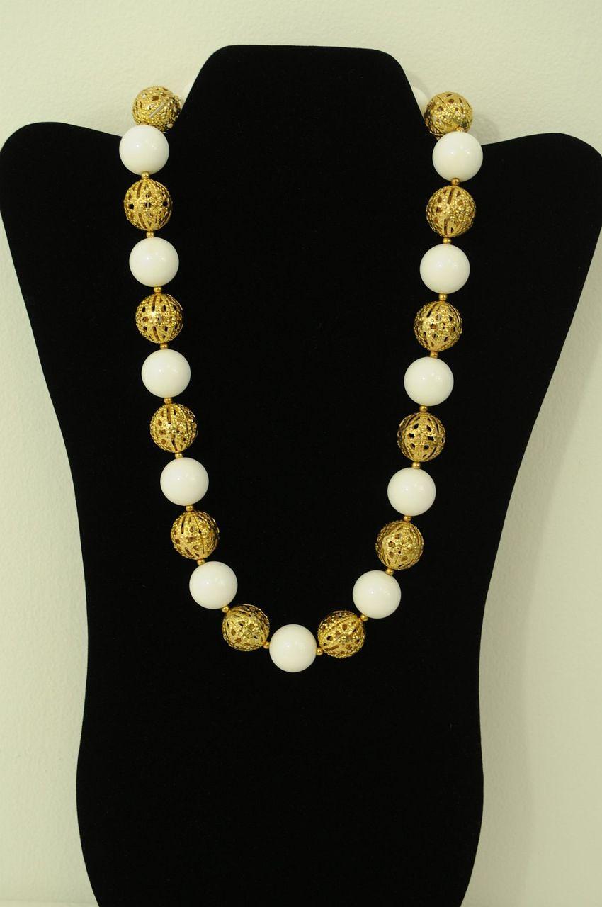 WHITEGOLD-Jewelry-Set_188499A.jpg
