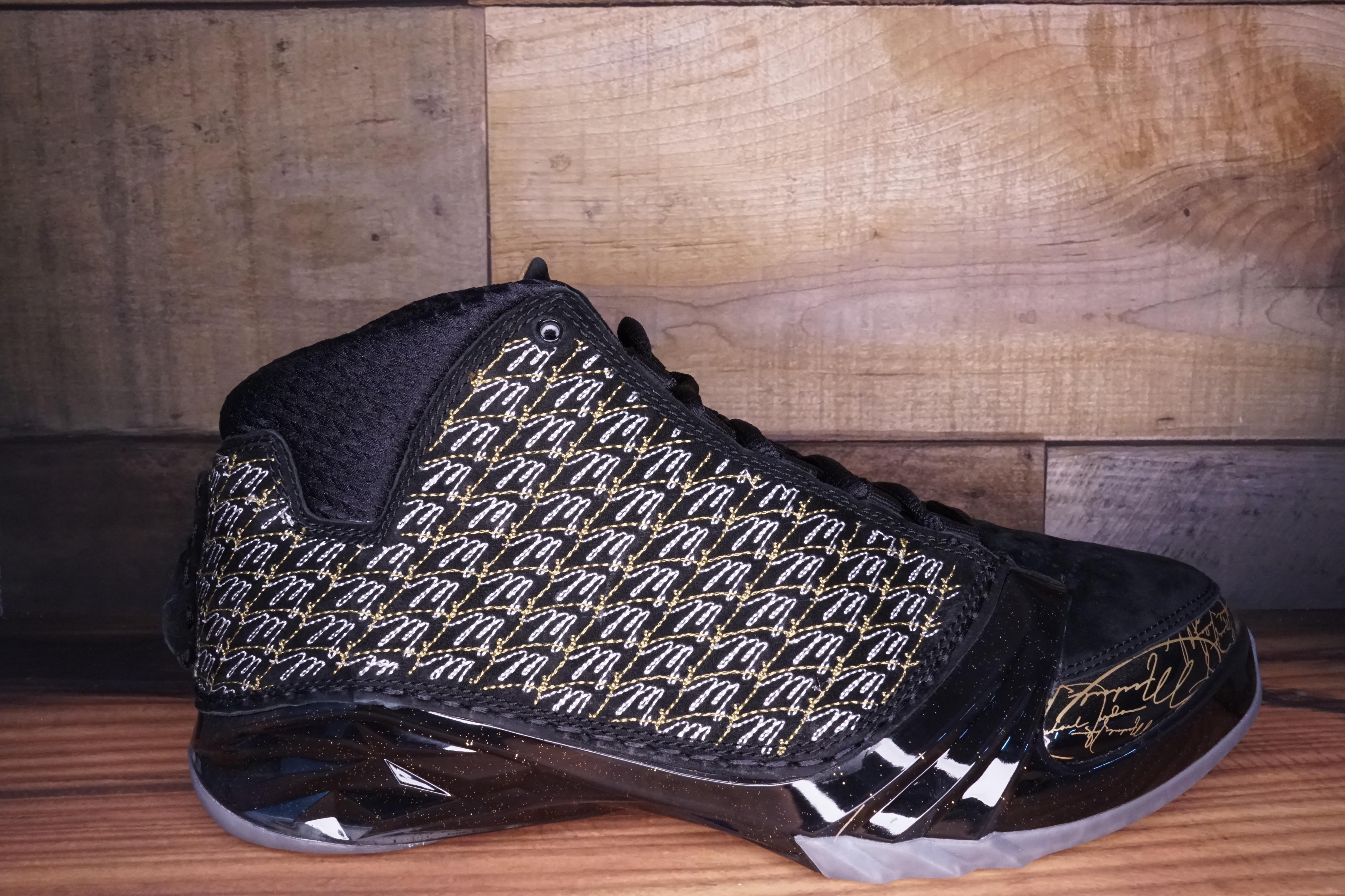 Air-Jordan-XX3-TROPHY-ROOM-Size-9.5-New-with-Original-Box_3096A.jpg