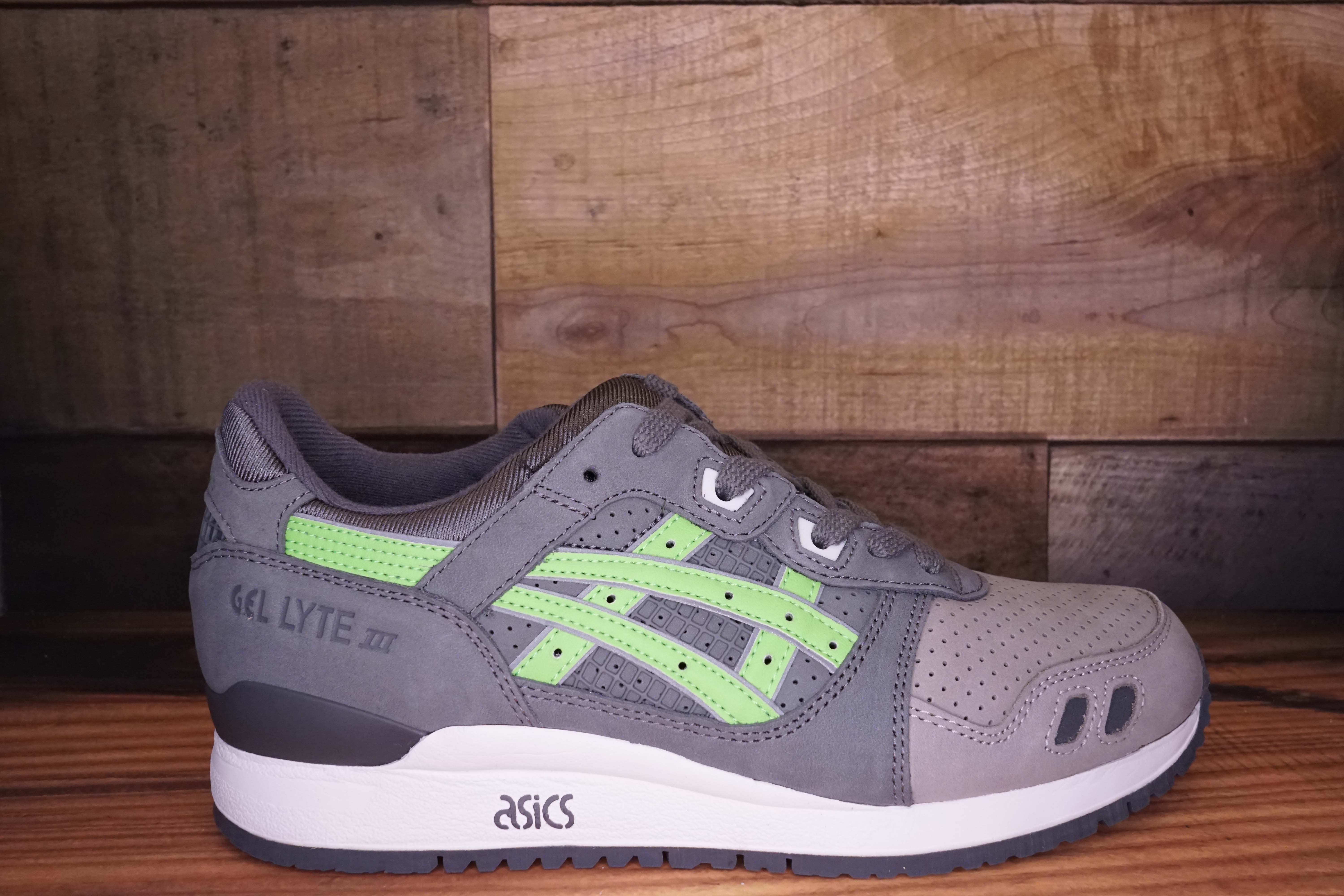 Asics-Gel-Lyte-3-SUPER-GREEN-2016-Size-10.5-New-with-Original-Box_2510A.jpg