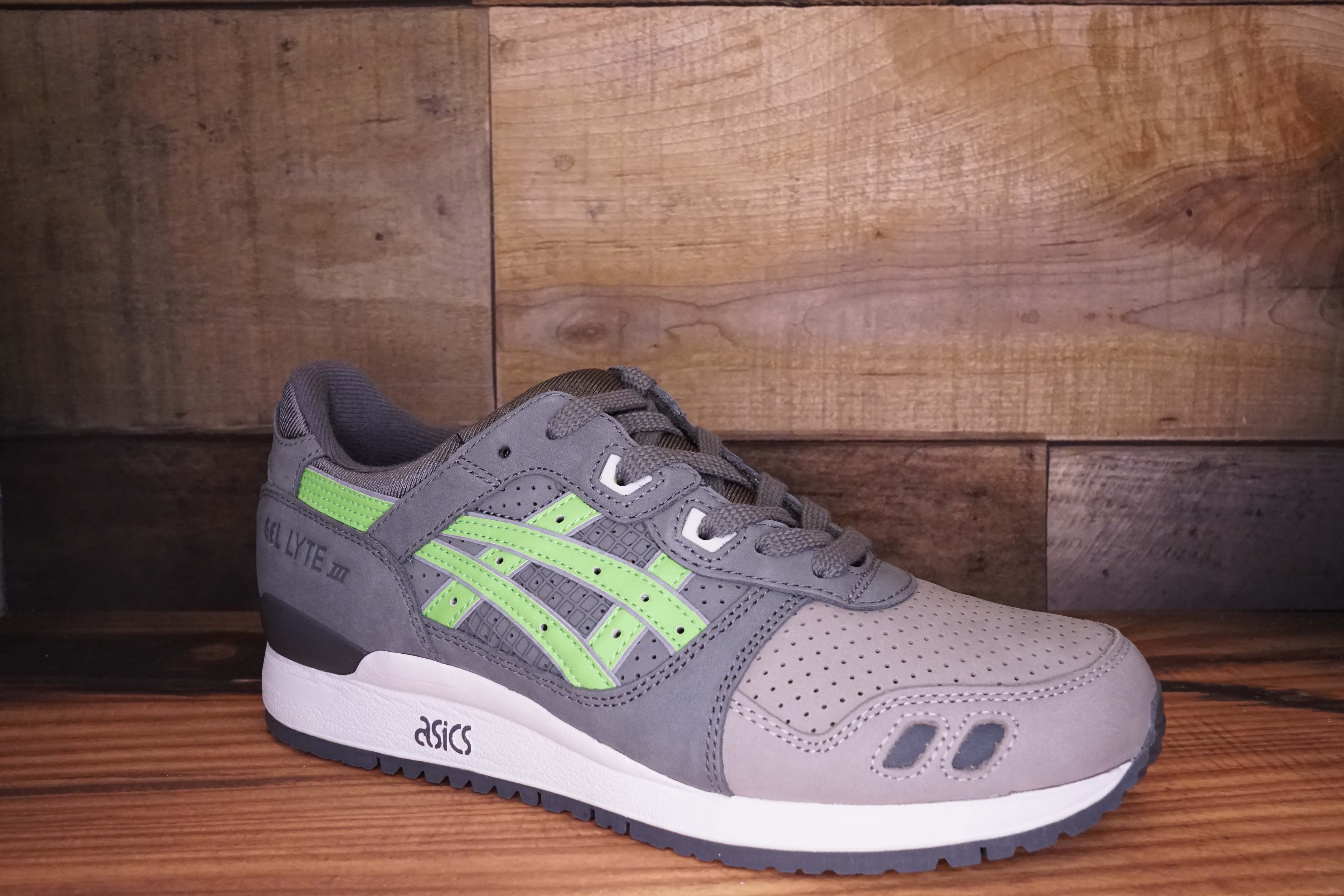 Asics-Gel-Lyte-3-SUPER-GREEN-2016-Size-10.5-New-with-Original-Box_2510B.jpg