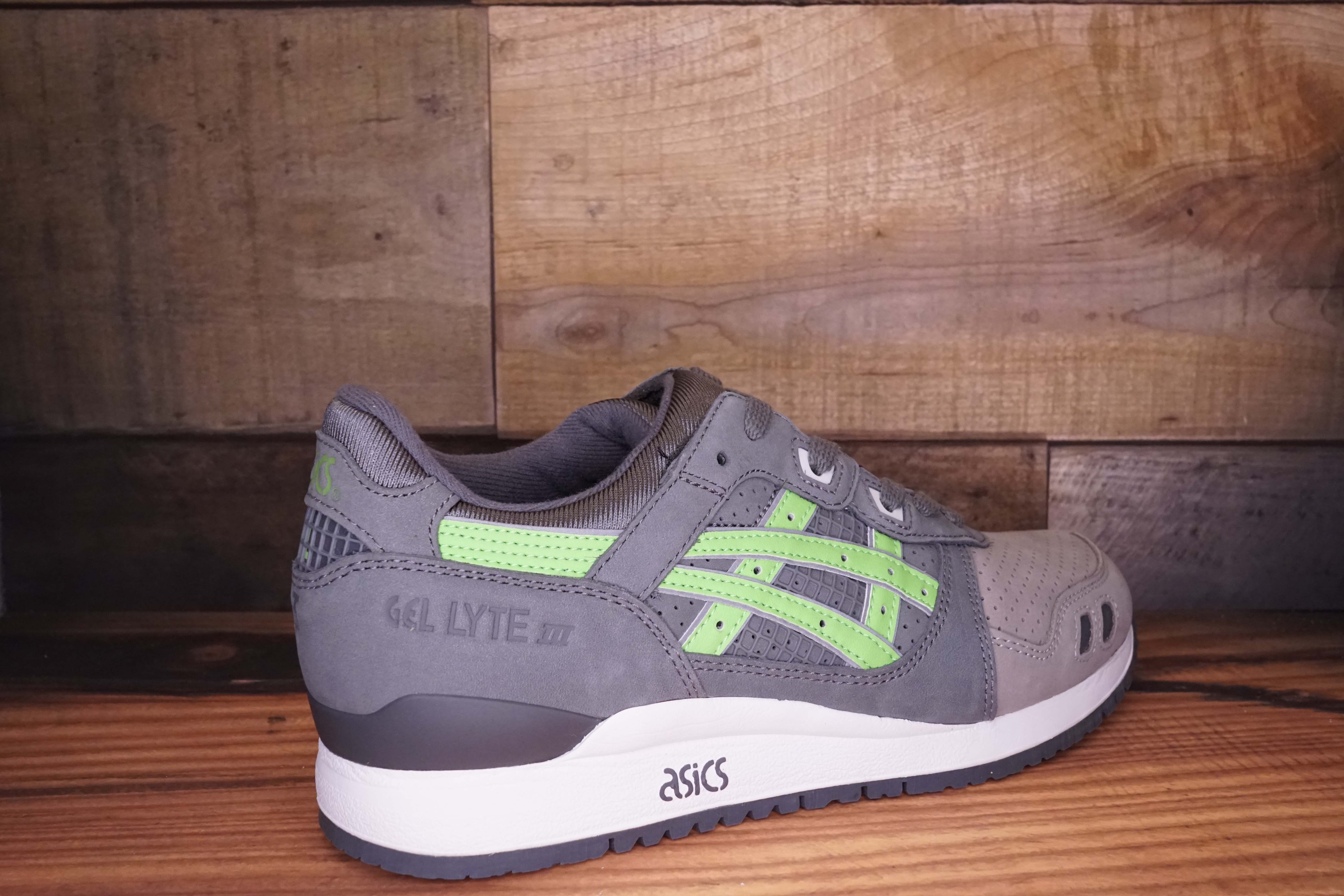 Asics-Gel-Lyte-3-SUPER-GREEN-2016-Size-10.5-New-with-Original-Box_2510C.jpg