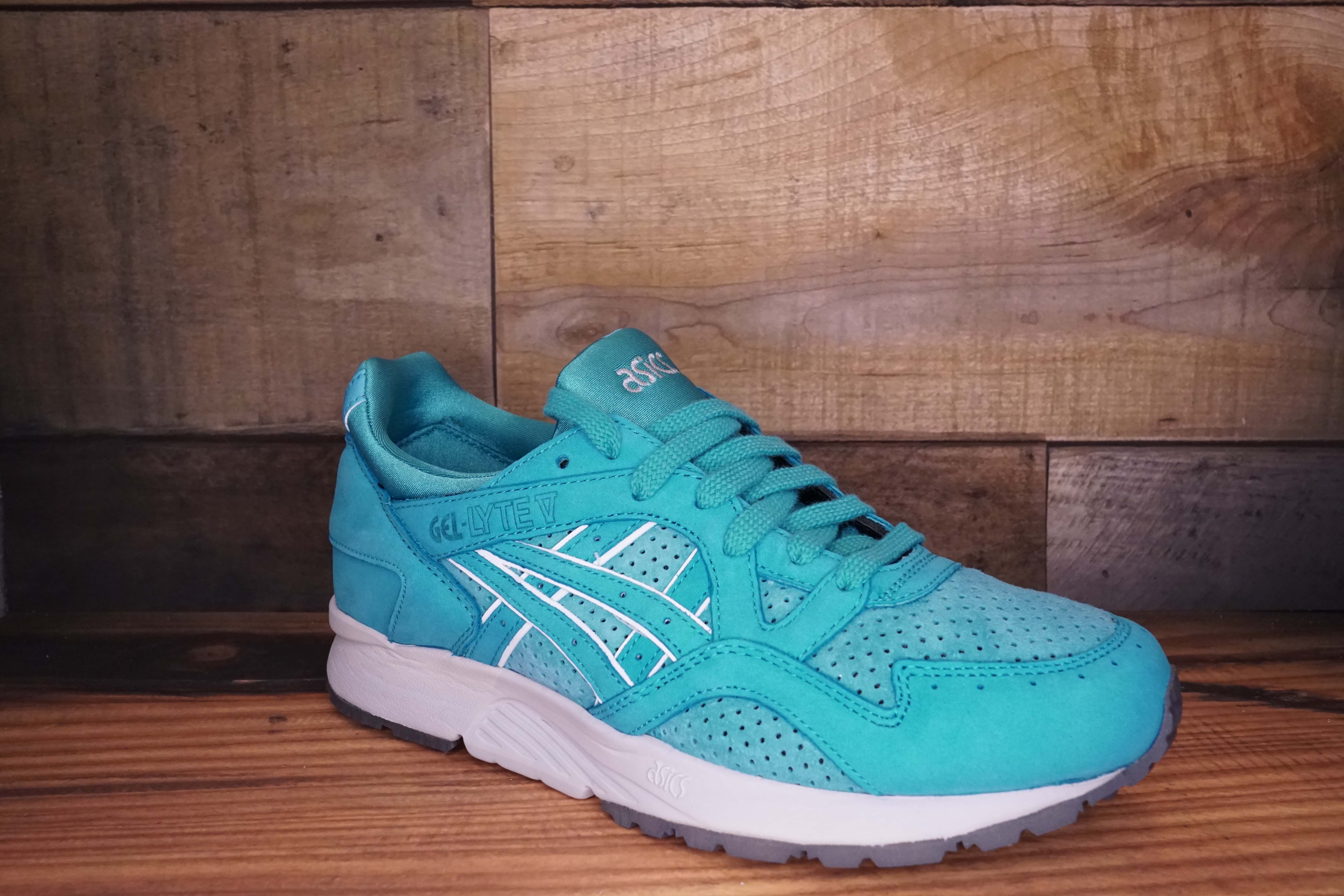 Asics-Gel-Lyte-V-COVE-Size-8.5-New-with-Original-Box_1694B.jpg
