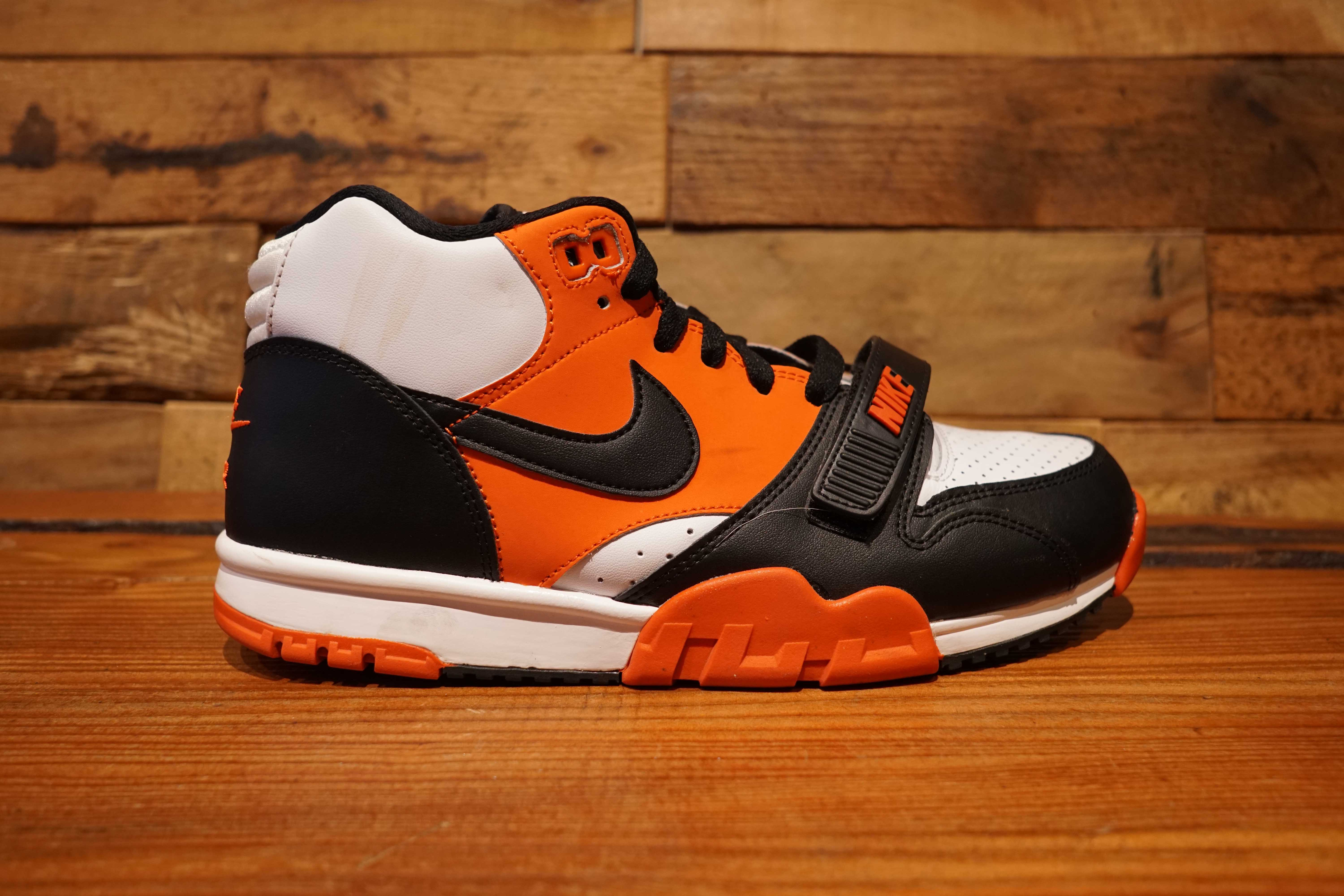 c8181a55b09 Nike Air Trainer 1 Mid