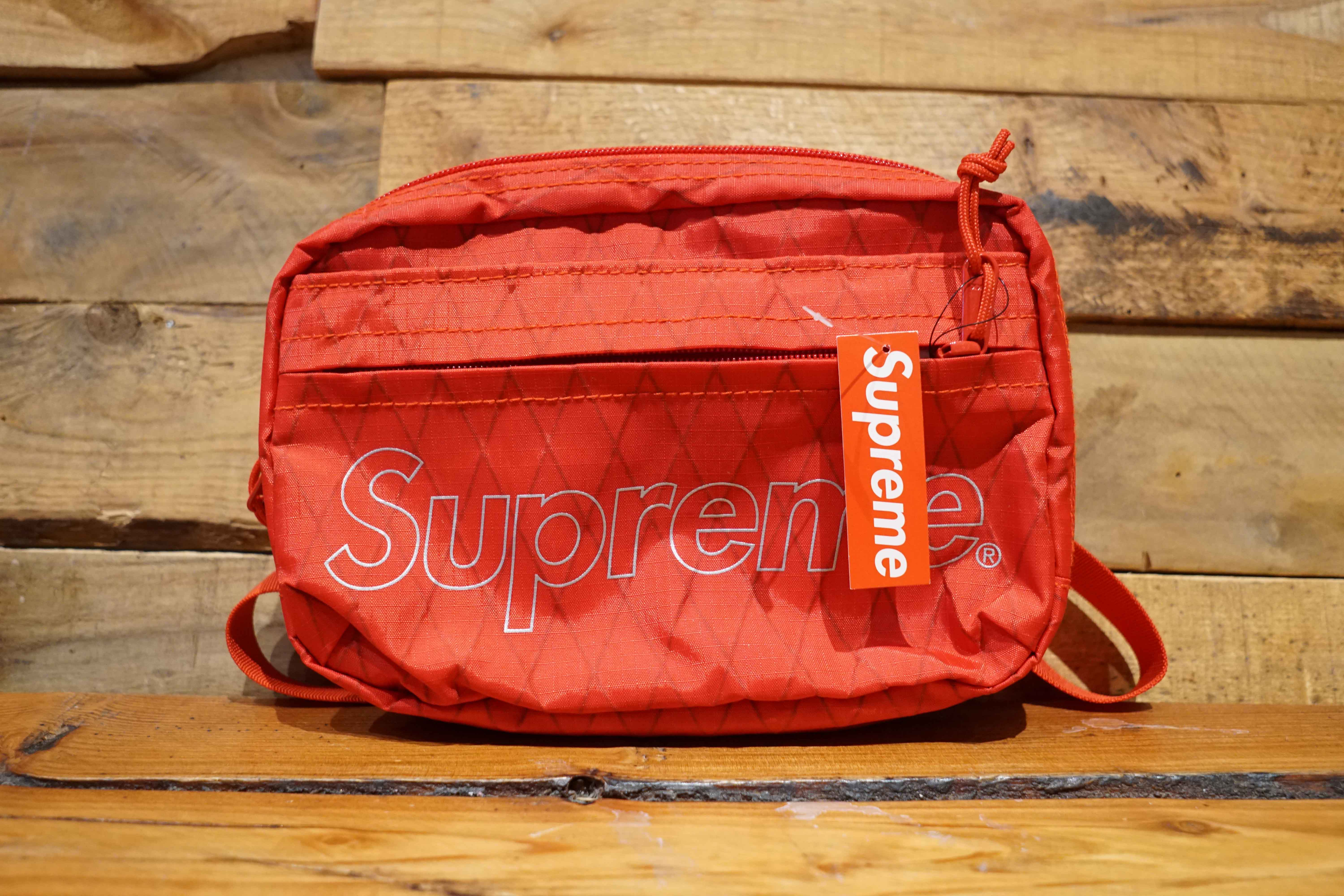 d2cb4ca5fe1 Supreme Shoulder Bag Red Size OS New (4744-1)