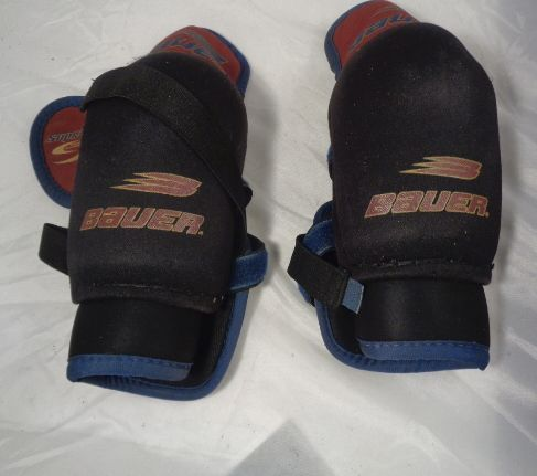 Bauer-Supreme-Hockey-Knee-Pads_48122A.jpg