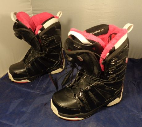 außergewöhnliche Farbpalette zuverlässige Leistung heißer verkauf billig Salomon Fusion SB Boots Black/Pink W7