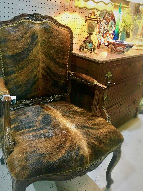 Chair_25606A.jpg