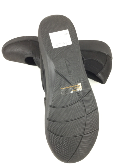Clarks-9.5-Black-Shoes_236456H.jpg