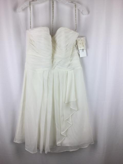 Davids-bridal-Size-10-White-Dress_256357A.jpg