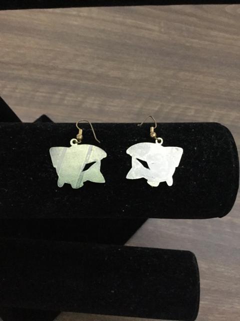 Earrings_217523B.jpg