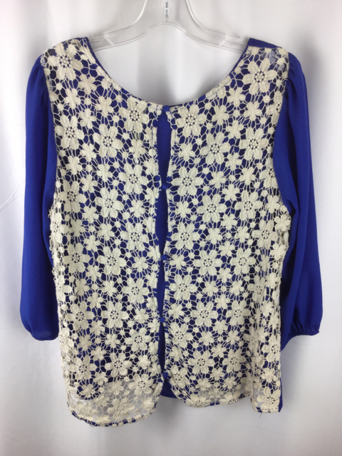 Lauren-Conrad-Size-L-BlueWhite-Shirt_236079B.jpg