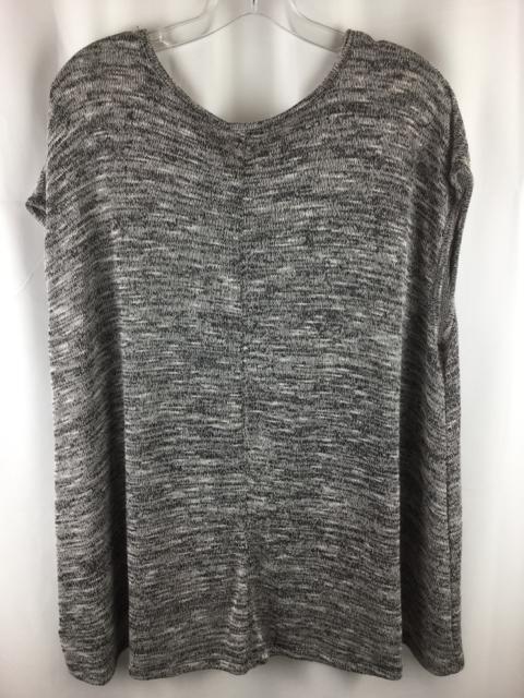 Old-Navy-Size-L-Grey-Shirt_238324B.jpg
