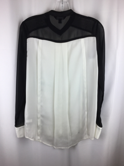 Rock--Republic-Size-XS-Cream--Black-Button-Up_240154B.jpg