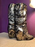 Chanel-Gold-Abstract-Size-35.5-Boots_208909A.jpg