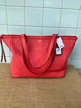 Fossil-Leather-Coral-Solid-Handbag_222713A.jpg