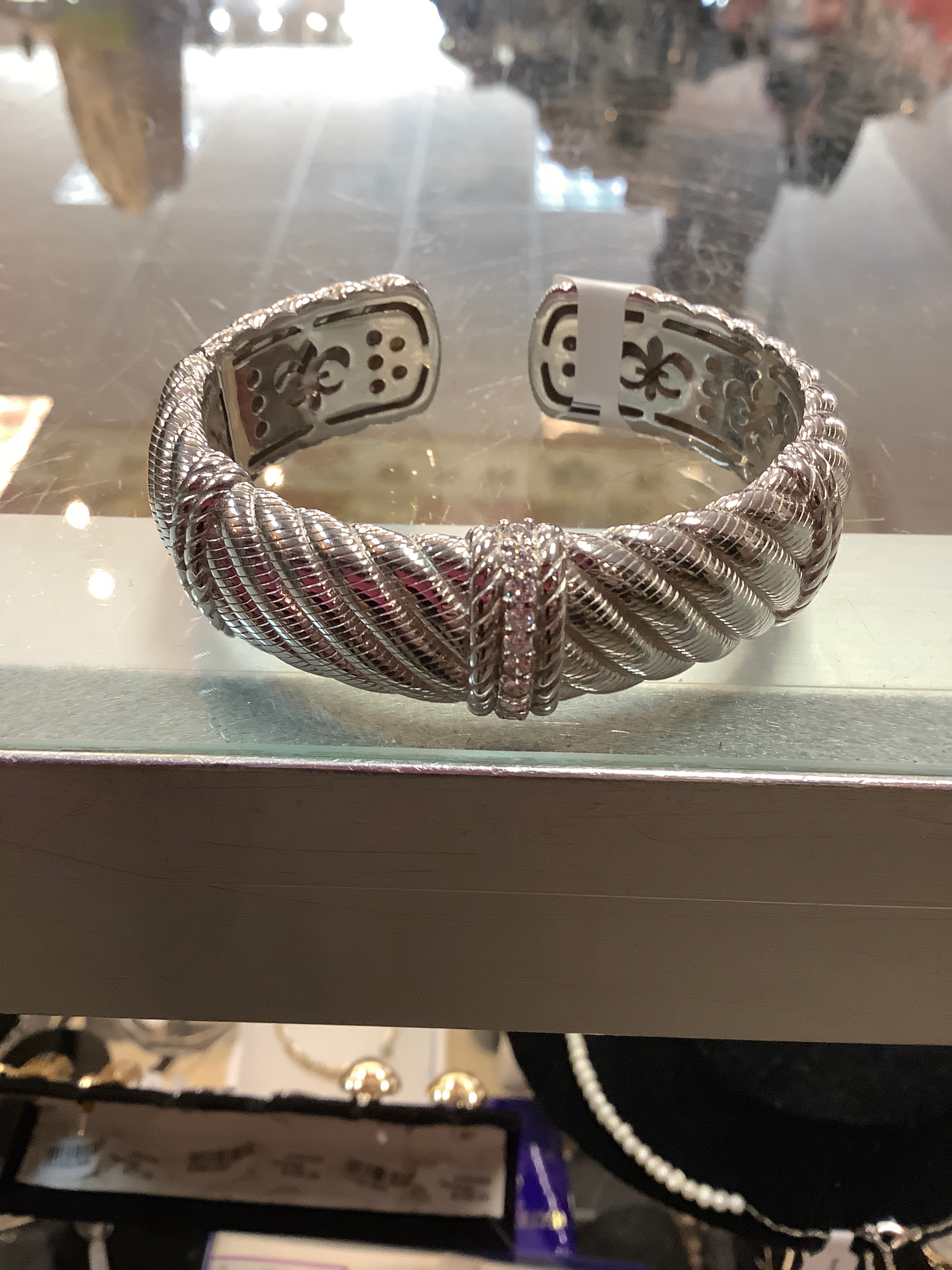 JUDITH-RIPKA-Sterling-Bracelet_234652A.jpg