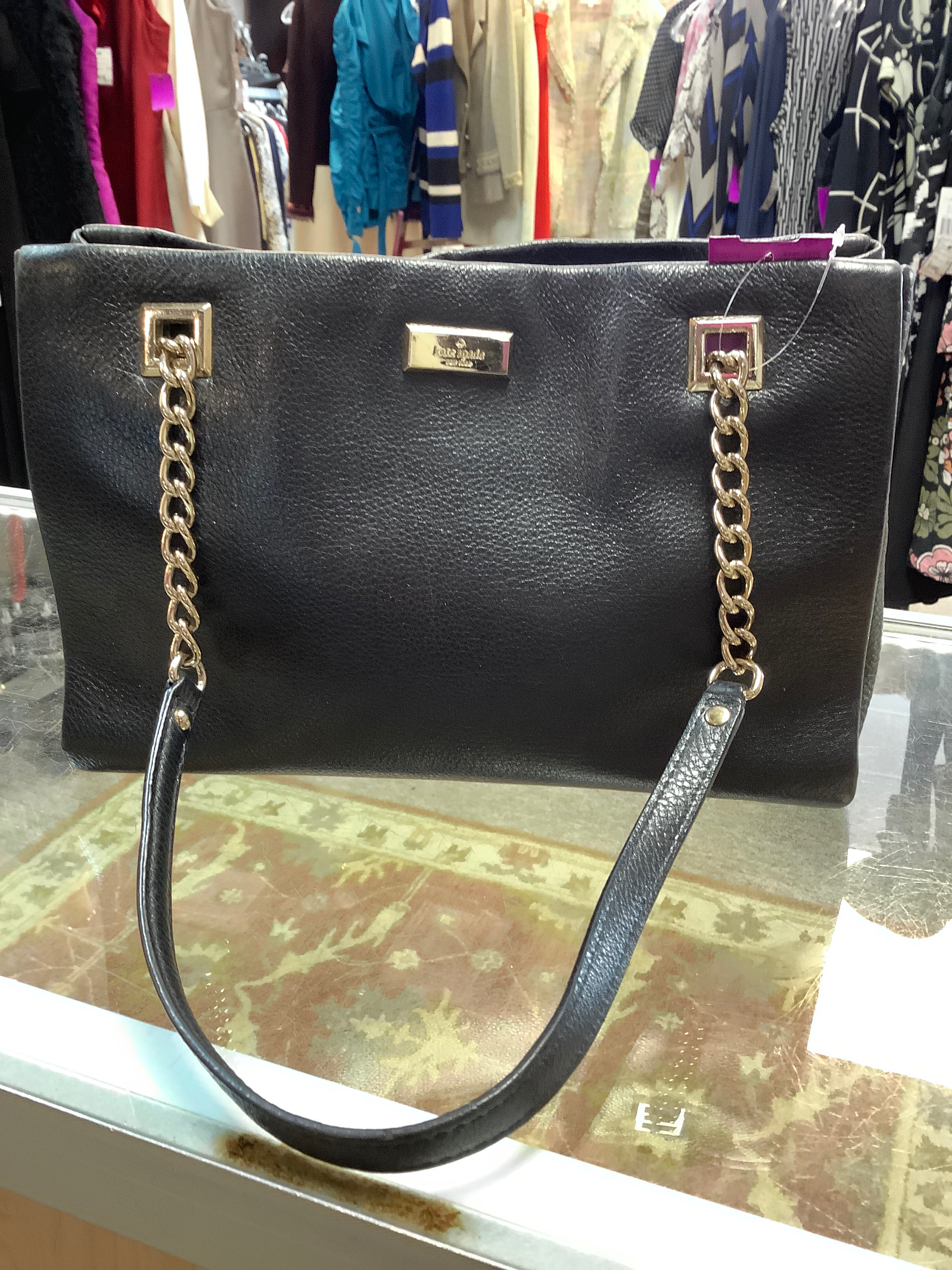 Kate-Spade-Black-Solid-Handbag_234419A.jpg