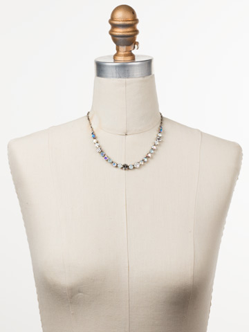 Papaver Classic Line Necklace in Antique Silver-tone Glacier displayed on a necklace bust
