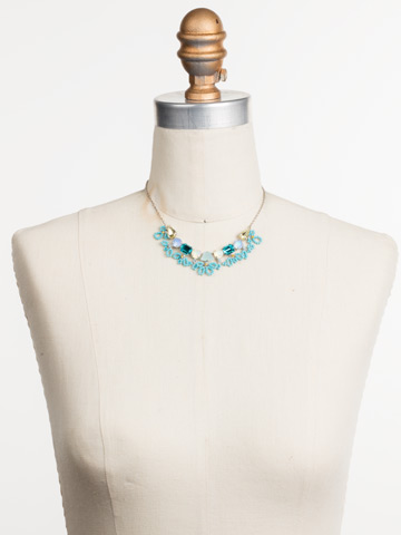 Nereida Classic Necklace in Rhodium Tahitian Treat displayed on a necklace bust