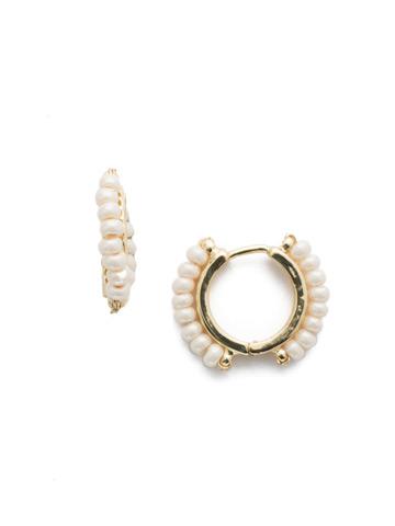 Rowe Hoop Earring in Bright Gold-tone Modern Pearl