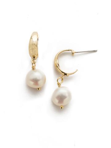 Oceane Hoop Earring in Bright Gold-tone Modern Pearl