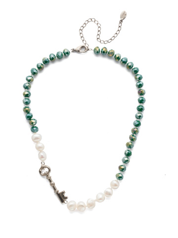 Eilidh Classic Necklace in Antique Silver-tone Snowy Moss