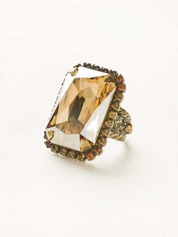 Luxurious Emerald-Cut Cocktail Ring in Antique Gold-tone City Neutral