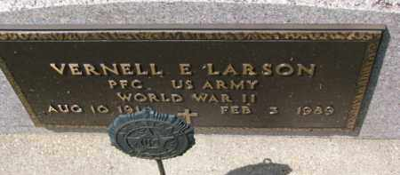 LARSON, VERNELL E. (WW II) - Clay County, South Dakota   VERNELL E. (WW II) LARSON - South Dakota Gravestone Photos