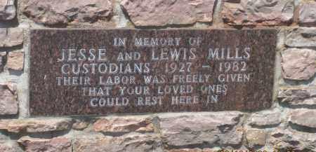 *HIGHLAND PARK CEMETERY, MEMORIAL PLAQUE GATEPOST - Custer County, South Dakota | MEMORIAL PLAQUE GATEPOST *HIGHLAND PARK CEMETERY - South Dakota Gravestone Photos