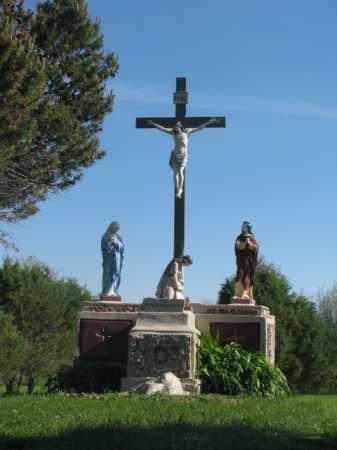 *HOLY TRINITY, CROSS - Davison County, South Dakota   CROSS *HOLY TRINITY - South Dakota Gravestone Photos