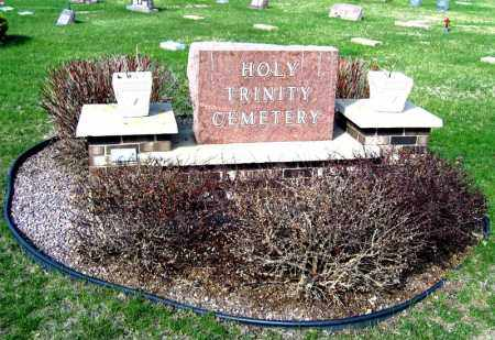 *HOLY TRINITY, STONE - Davison County, South Dakota | STONE *HOLY TRINITY - South Dakota Gravestone Photos