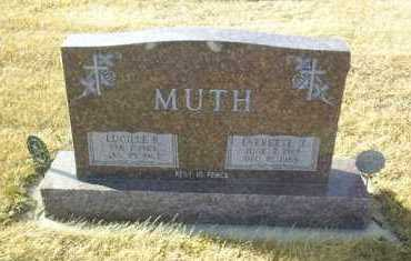 MUTH, EVERETTE J. - Hutchinson County, South Dakota | EVERETTE J. MUTH - South Dakota Gravestone Photos