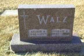UTTECHT WALZ, PHYLLIS - Hutchinson County, South Dakota | PHYLLIS UTTECHT WALZ - South Dakota Gravestone Photos