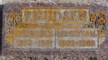 KNUDSEN, BERGETTA M - Kingsbury County, South Dakota | BERGETTA M KNUDSEN - South Dakota Gravestone Photos