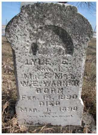 WARNER, LYLE E. - Kingsbury County, South Dakota   LYLE E. WARNER - South Dakota Gravestone Photos