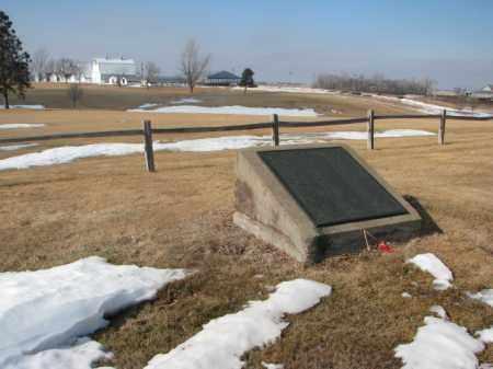 ****HIAWATHA ASYLUM, HISTORY - Lincoln County, South Dakota   HISTORY ****HIAWATHA ASYLUM - South Dakota Gravestone Photos