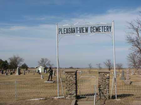**PLEASANT VIEW, FRONT GATE & SIGN - Miner County, South Dakota   FRONT GATE & SIGN **PLEASANT VIEW - South Dakota Gravestone Photos