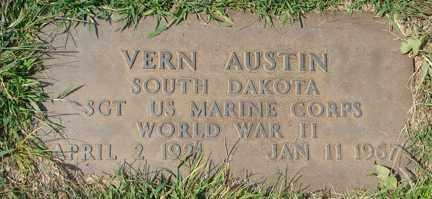 AUSTIN, VERN MILO (WWII) - Minnehaha County, South Dakota | VERN MILO (WWII) AUSTIN - South Dakota Gravestone Photos