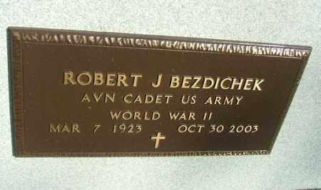 BEZDICHEK, ROBERT J. (WWII) - Minnehaha County, South Dakota | ROBERT J. (WWII) BEZDICHEK - South Dakota Gravestone Photos