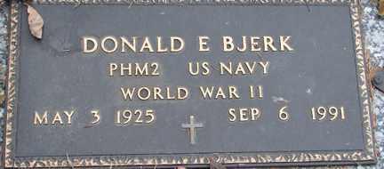 BJERK, DONALD E. (WWII) - Minnehaha County, South Dakota   DONALD E. (WWII) BJERK - South Dakota Gravestone Photos
