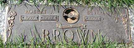 BROWN, ROBERT J. - Minnehaha County, South Dakota | ROBERT J. BROWN - South Dakota Gravestone Photos