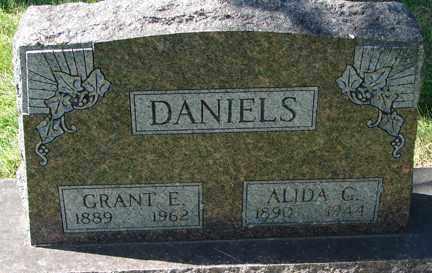 DANIELS, GRANT E. - Minnehaha County, South Dakota | GRANT E. DANIELS - South Dakota Gravestone Photos