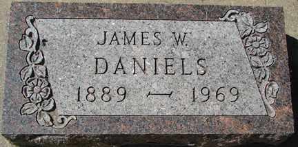 DANIELS, JAMES W. - Minnehaha County, South Dakota | JAMES W. DANIELS - South Dakota Gravestone Photos