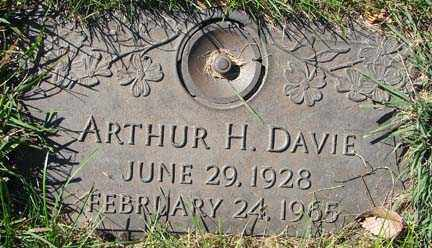 DAVIE, ARTHUR H. - Minnehaha County, South Dakota | ARTHUR H. DAVIE - South Dakota Gravestone Photos