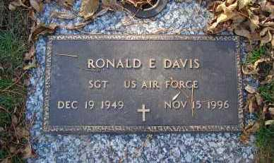 DAVIS, RONALD E. - Minnehaha County, South Dakota | RONALD E. DAVIS - South Dakota Gravestone Photos