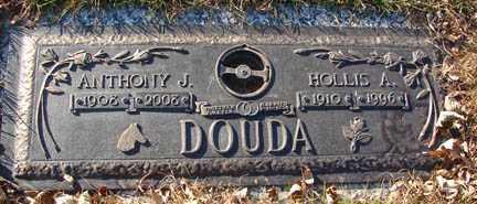 DOUDA, HOLLIS A. - Minnehaha County, South Dakota | HOLLIS A. DOUDA - South Dakota Gravestone Photos