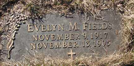 FIELDS, EVELYN M. - Minnehaha County, South Dakota | EVELYN M. FIELDS - South Dakota Gravestone Photos