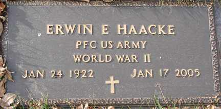 HAACKE, ERWIN E. (WWII) - Minnehaha County, South Dakota   ERWIN E. (WWII) HAACKE - South Dakota Gravestone Photos