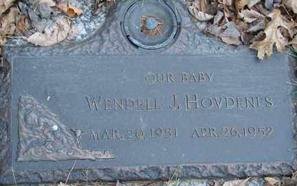 HOVDENES, WENDELL J. - Minnehaha County, South Dakota   WENDELL J. HOVDENES - South Dakota Gravestone Photos