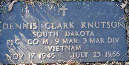 KNUTSON, DENNIS CLARK (VIETNAM) - Minnehaha County, South Dakota | DENNIS CLARK (VIETNAM) KNUTSON - South Dakota Gravestone Photos